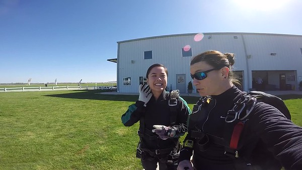 1023 Nhi Doan Skydive at Chicagoland Skydiving Center 20170423 Jo