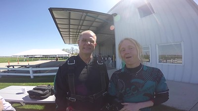 1143 Steven Fugate Skydive at Chicagoland Skydiving Center 20170423 Klash Dan