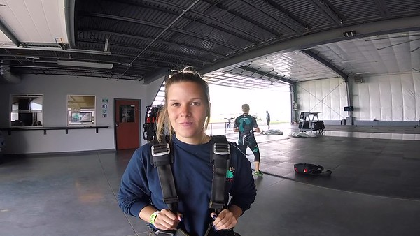 1318 Courtney Walsh Skydive at Chicagoland Skydiving Center 20170801 Jessie Jessie