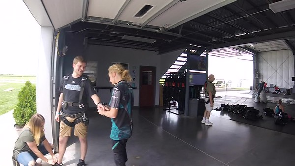 1428 Robert Butz Skydive at Chicagoland Skydiving Center 20170806 Eric Eric