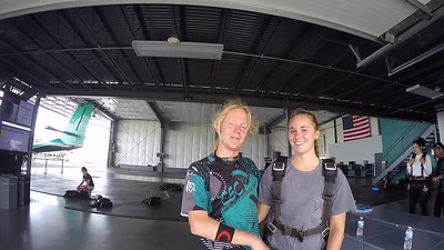 1237 Mackenzie Berk Skydive at Chicagoland Skydiving Center 20170807 Klash Jo