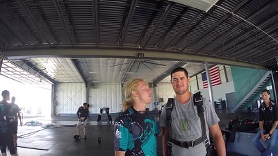 1330 Jonathan Bennett Skydive at Chicagoland Skydiving Center 20170808 Klash Amy