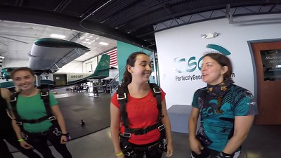 1210 Rebecca Cadena Skydive at Chicagoland Skydiving Center 20170810 Amy Brad