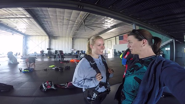 1015 Elise Kolterman Skydive at Chicagoland Skydiving Center 20170812 Jo Jo