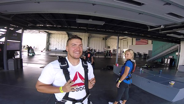 0934 Justin Roesch Skydive at Chicagoland Skydiving Center 20170813 Len Len