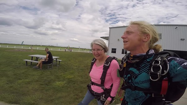 1354 Kathy Frees Skydive at Chicagoland Skydiving Center 20170813 Klash Klash