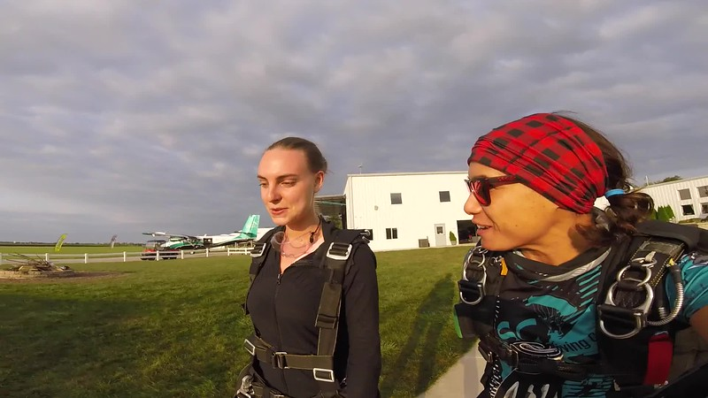 1923 Kelly Fader Skydive at Chicagoland Skydiving Center 20170818 Jessie Jessie