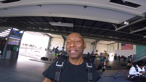 1044 Darryl Adams Skydive at Chicagoland Skydiving Center 20170819 Chris Chris
