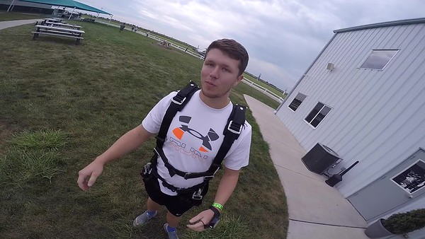 1854 Austin Lowe Skydive at Chicagoland Skydiving Center 20170826 cody cody