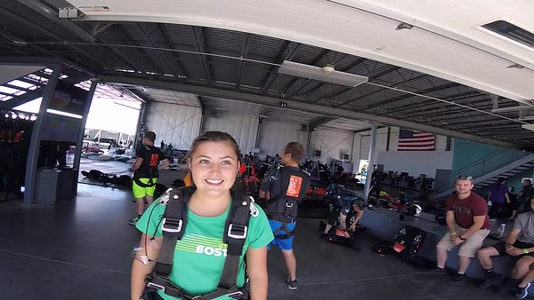1457 Katelyn Schroeder Skydive at Chicagoland Skydiving Center 20170708 Leonard Leonard