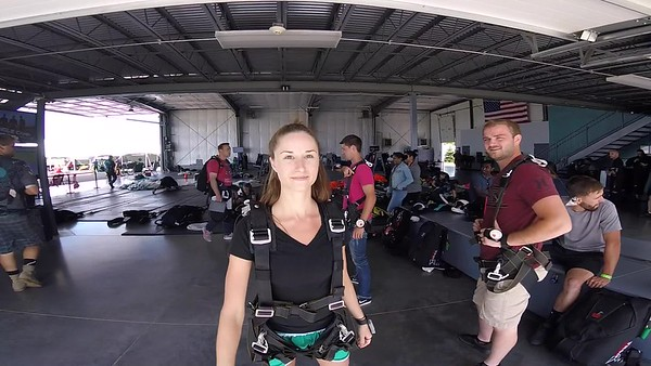 1548 Kristin Lietzau Skydive at Chicagoland Skydiving Center 20170708 Leonard Leonard