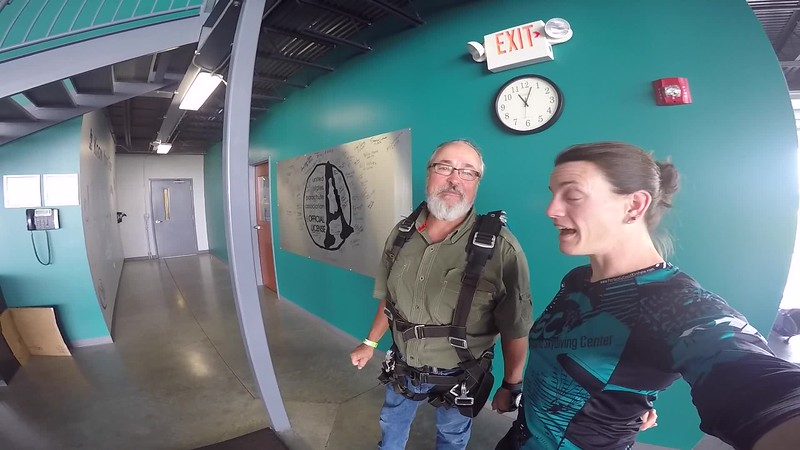 1157 Tracy Swift Skydive at Chicagoland Skydiving Center 20170726 Jo Jo