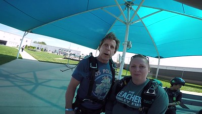 1646 Tom Dermody Skydive at Chicagoland Skydiving Center 20170727 Amy Brad