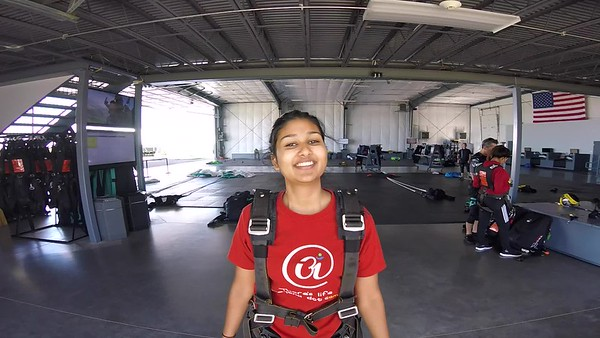 1348 Mrinalini Nagarajan Skydive at Chicagoland Skydiving Center 20170728 LEn Len