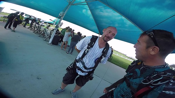 SPEC1758 Chad Warborg Skydive at Chicagoland Skydiving Center 20170730 Brad Brad