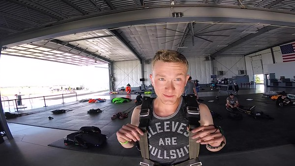 1753 Joel Degraaf Skydive at Chicagoland Skydiving Center 20170602 Leonard