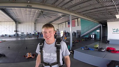 1527 Lucas Myers Skydive at Chicagoland Skydiving Center 20170602 Leonard