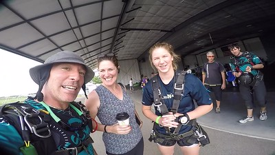 1841 Cami Fiala Skydive at Chicagoland Skydiving Center 20170609 Brad Brad
