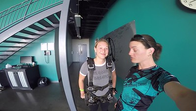 1429 Chelsea Schroeder Skydive at Chicagoland Skydiving Center 20170615 Jo Jo