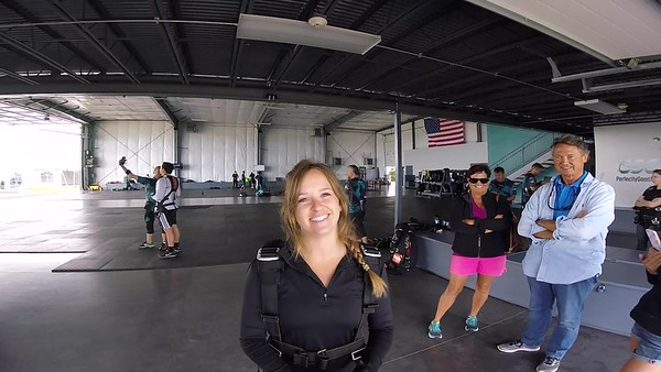 1009 Lexi Nash Skydive at Chicagoland Skydiving Center 20170623 Leonard