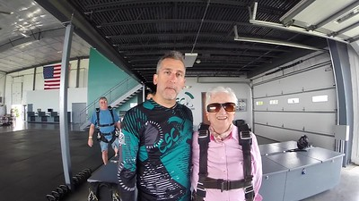1100 Pat Leitner Skydive at Chicagoland Skydiving Center 20170623 Chris R Amy B