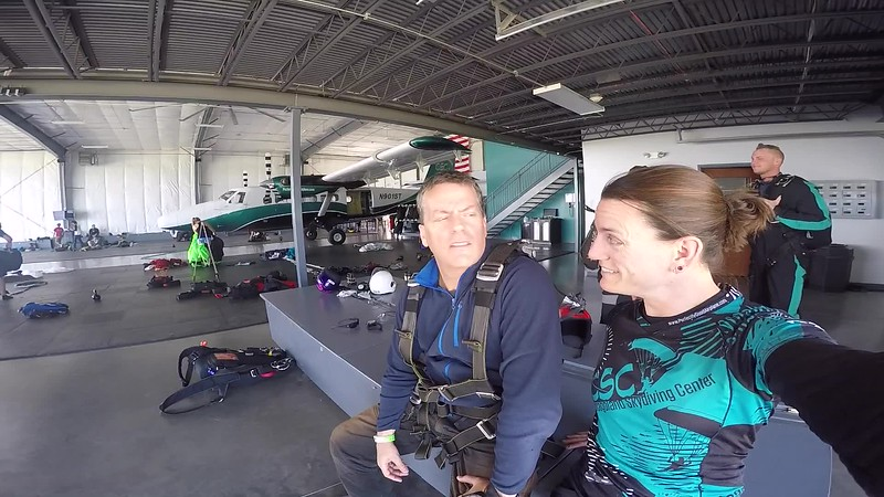 1312 Bruce Cairns Skydive at Chicagoland Skydiving Center 20170627 Jo Jo