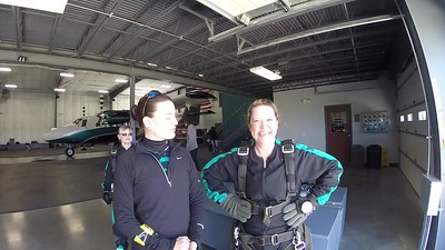 1253 Rachel Schooley Skydive at Chicagoland Skydiving Center Jo Amy 20170506