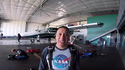 1059 Gil Flores Skydive at Chicagoland Skydiving Center 20170529 Chris Chris