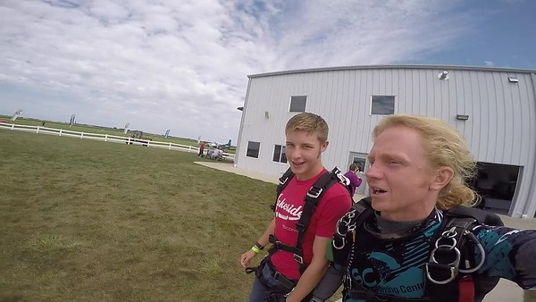 1346 Cameron Schuring Skydive at Chicagoland Skydiving Center 20170902 Klash Klash