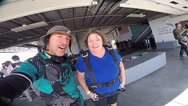 1448 Laura Raduechel Skydive at Chicagoland Skydiving Center 20170902 Brad Brad