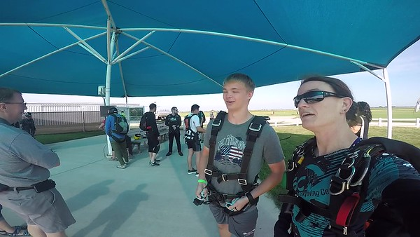 1050 John Thompson Skydive at Chicagoland Skydiving Center 20170903 Jo JO