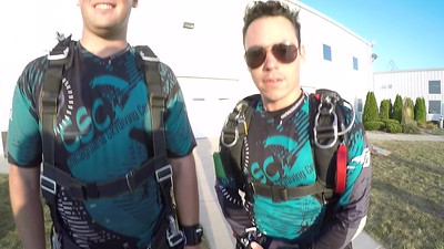 1933 Dustin Sauer Skydive at Chicagoland Skydiving Center 20170909 Buzzzerooooo Chrispy