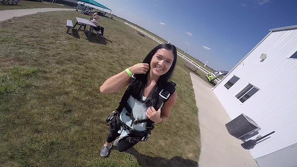 SPEC1621 Macy Jenkins Skydive at Chicagoland Skydiving Center 20170909 Cody Cody