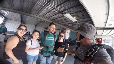 1624 Mikelpz05@gmail.com Skydive at Chicagoland Skydiving Center 20170915 Brad Brad