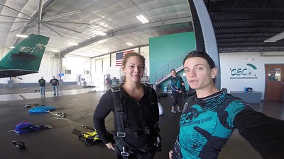 1423 Sara McLeod Skydive at Chicagoland Skydiving Center 20170928 Jo Jo