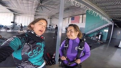 1522 Gabriela Fuentes Skydive at Chicagoland Skydiving Center 20180422 Amy Amy