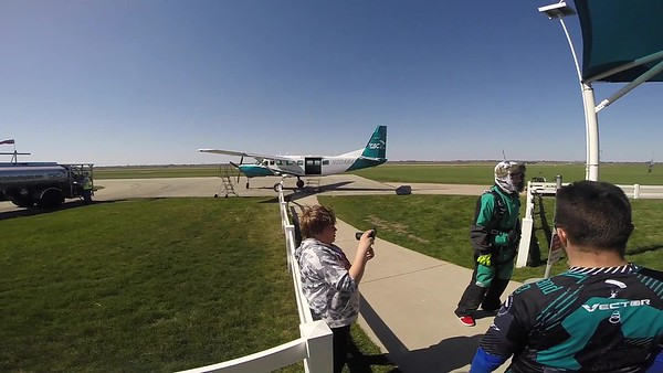1638 Angie Huynh  Skydive at Chicagoland Skydiving Center 20180428 Jo Jo