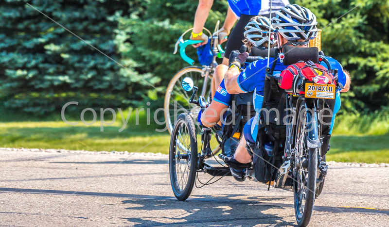 RAGBRAI 2014 - Day 1 - rider(s) between Rock Valley & Hull, Iowa - C1--0516 - 72 ppi