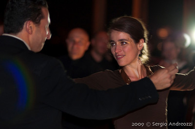 Gold Milonga: Guggi and Diego dancing chacarera