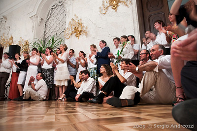 White Milonga: the crows applauding