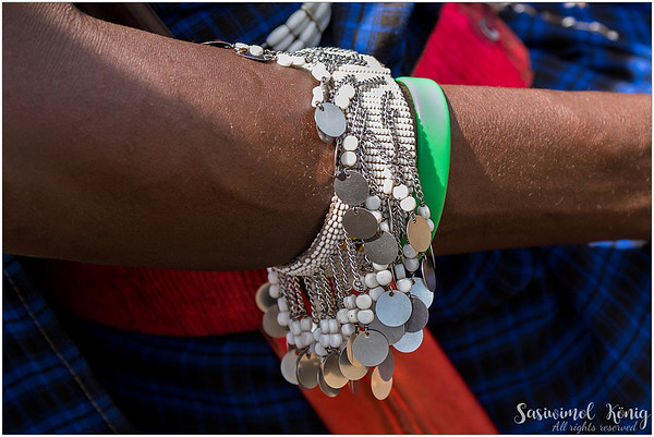 Not only beaded bracelets that are pretty, but also bangles, earrings, necklaces and other handmade stuff.