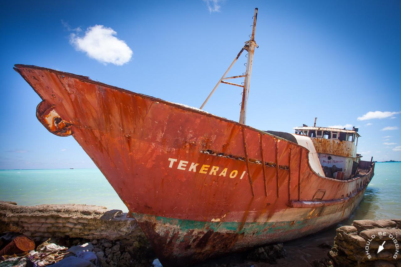 The Tekeraoi, Up Close