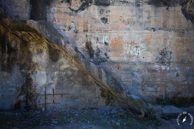 Japanese Command Bunker, Steps