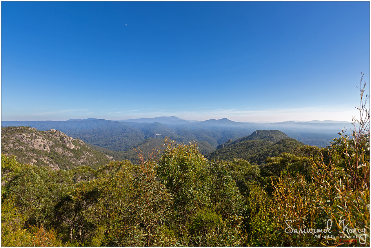 Beautiful view from Round Mt scenic Lookout on Olivers Road