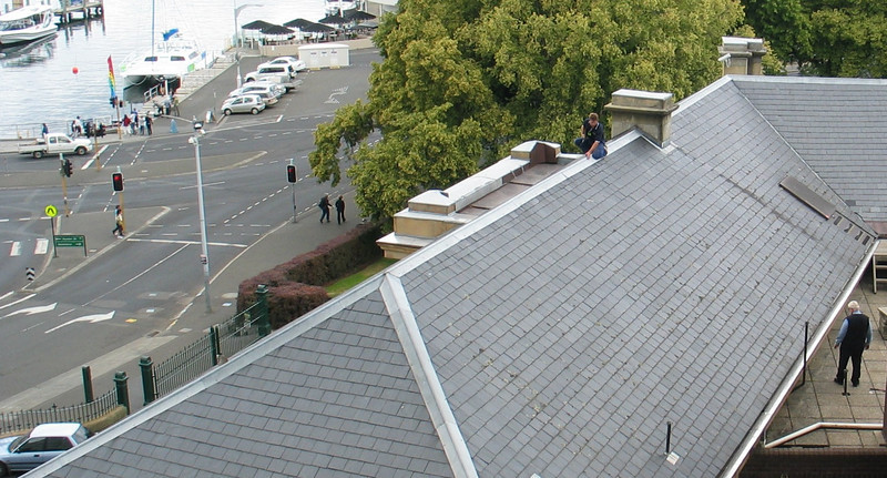 Fixing the roof on Parliament House in Hobart, 07012009