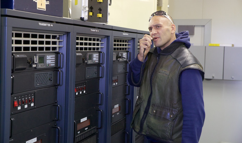 Abraham testing Barretts Transmitter from Matea Transmit Site back to Maritime Operations  Centre  Avalon
