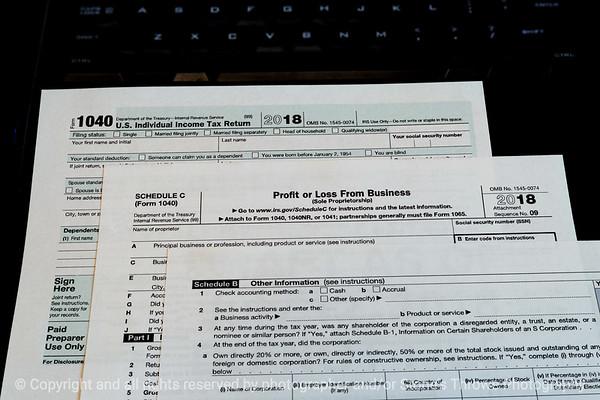 015-tax_forms-wdsm-11oct18-12x08-208-500-3750