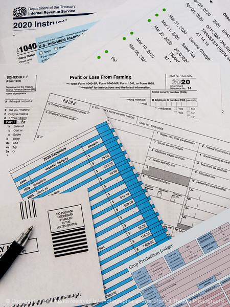015-tax_forms-studio-22aug20-09x12-201-400-4112
