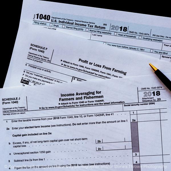 015-tax_forms-studio-18oct18-09x09-006-350-3778