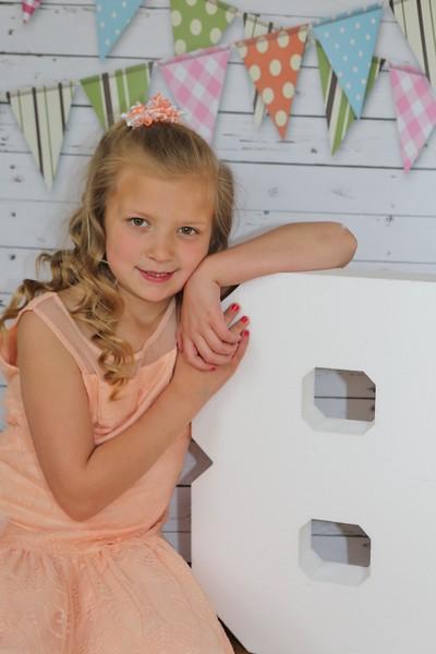Taylor 8 year old photos